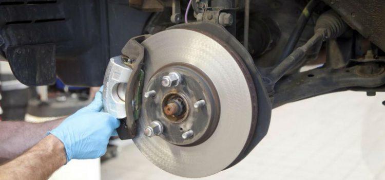 ¿Qué son las balatas o bandas de freno de auto y cuándo cambiarlas?